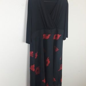 Dresses - Womens dress 3XL black w/red rosesC10